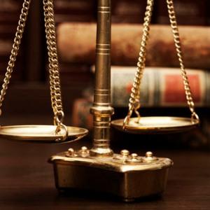 Наследодатель и правопреемники по праву
