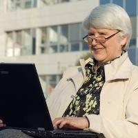 нужно ли отрабатывать 2 недели при увольнении пенсионерам
