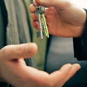 Может ли квартиросемщик подорить половину квартиры